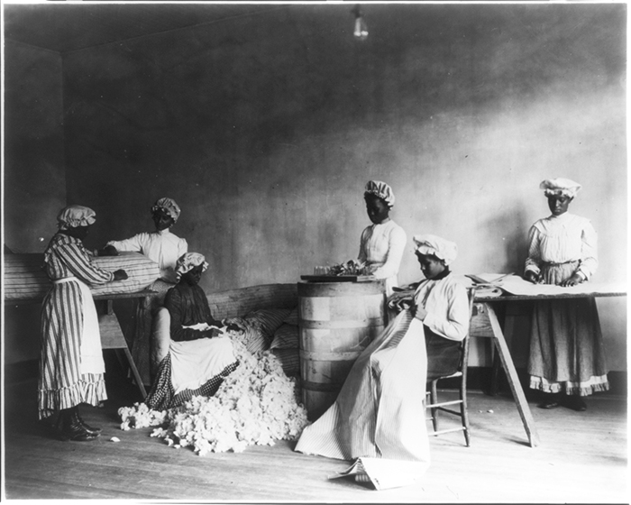 An image of African American students in mattress-making class, Tuskegee Institute, Tuskegee, Ala., 1902. Source: Library of Congress