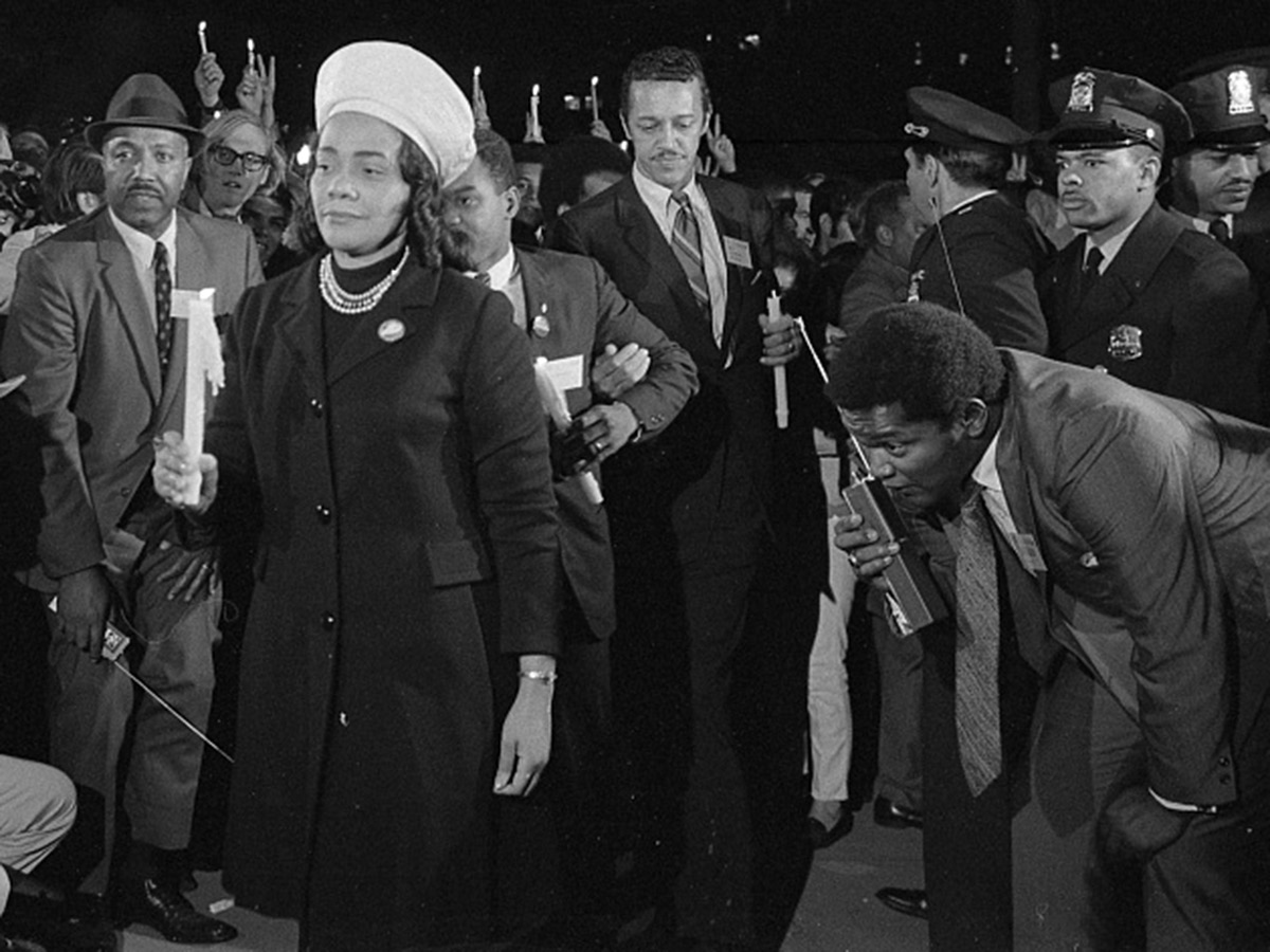 An image of Coretta Scott King holding a candle and leading a march at night to the White House as part of the Moratorium to End the War in Vietnam, October 15, 1969. Source: Library of Congress
