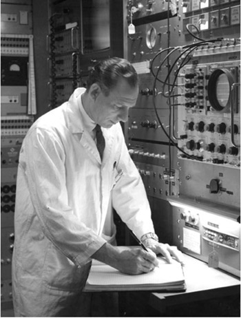 An image of Ellis P. Steinberg (the author's father) at work at his lab at the Nuclear Physics Division, Argonne National Laboratory, Argonne, Illinois (1960s). (Image courtesy of D. Leah Steinberg)
